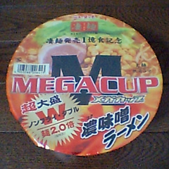 ニュータッチ 『凄麺 MEGACUP』